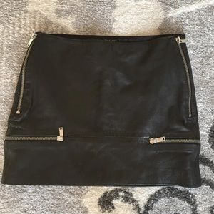 Zara faux leather zipper skirt Small